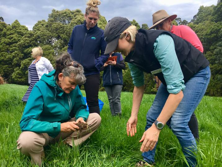 Discussing the visual soil assessment technique with Nerissa Lovric from Agriculture Victoria